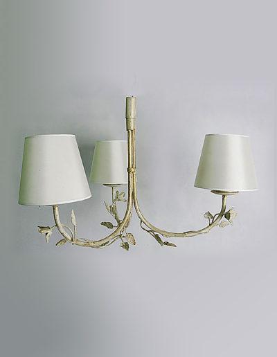 Lámpara hojas tres luces decapada