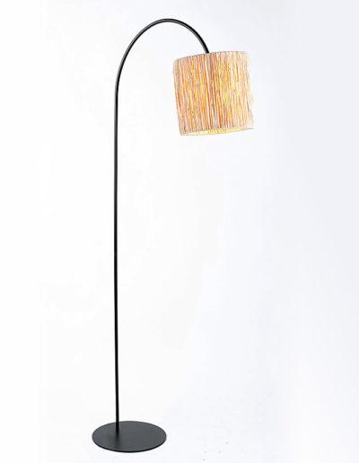 Lámpara Cala 180 negra pantalla raffia