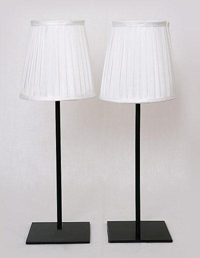 Lámpara Fifi base cuadrada negra